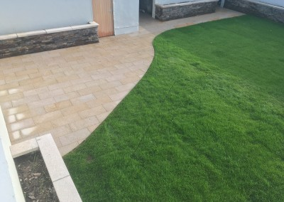 rollout grass quartz walling and yellow granite paving2